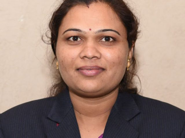Dr Mukta B Shinde